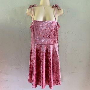 Forever 21 Crushed Velvet Rose Pink Mini Dress L